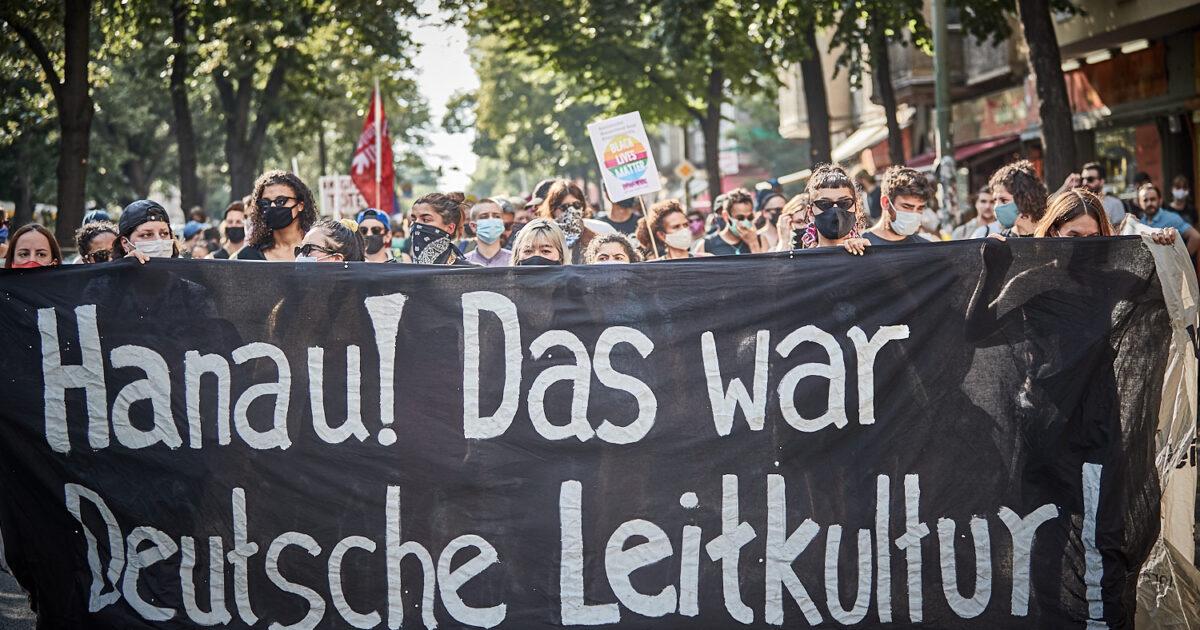 Almanya'da ırkçılığa karşı mücadele – Garip Bali